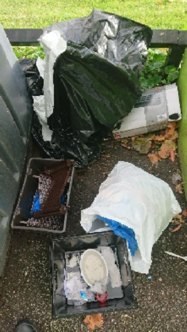 House old waste removed fly tipping on going at this site -2-4 Deacon Way, Tilehurst, Reading RG30 6AZ, UK