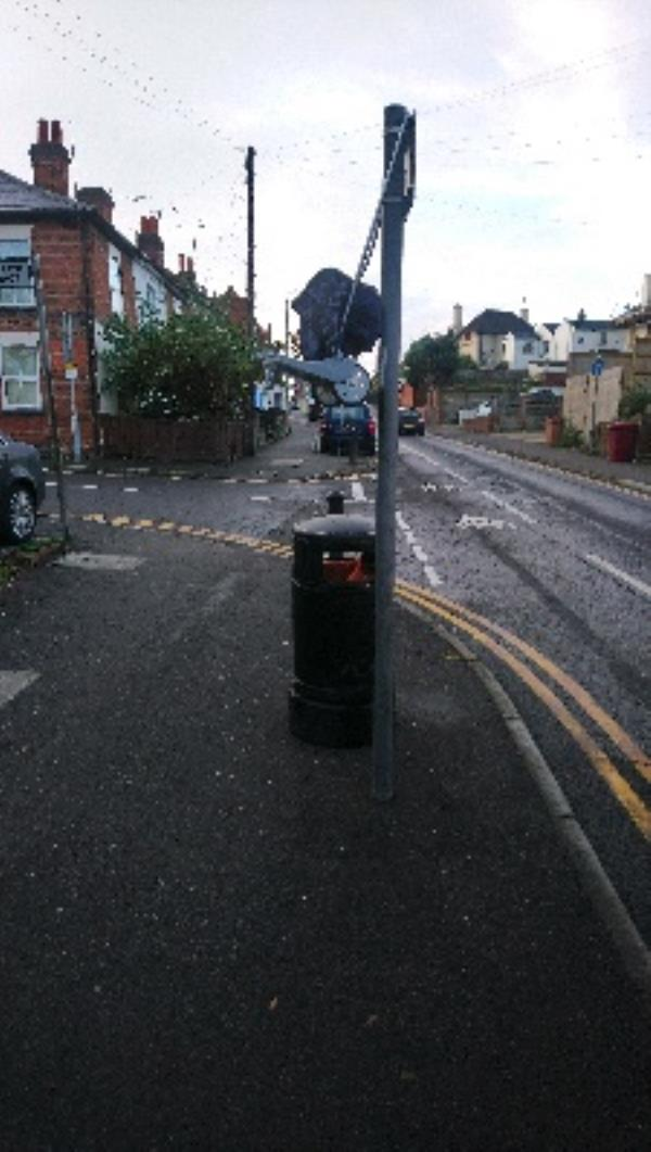 Fly tipping cleared -71 Mount Pleasant, Reading, RG1 2TF