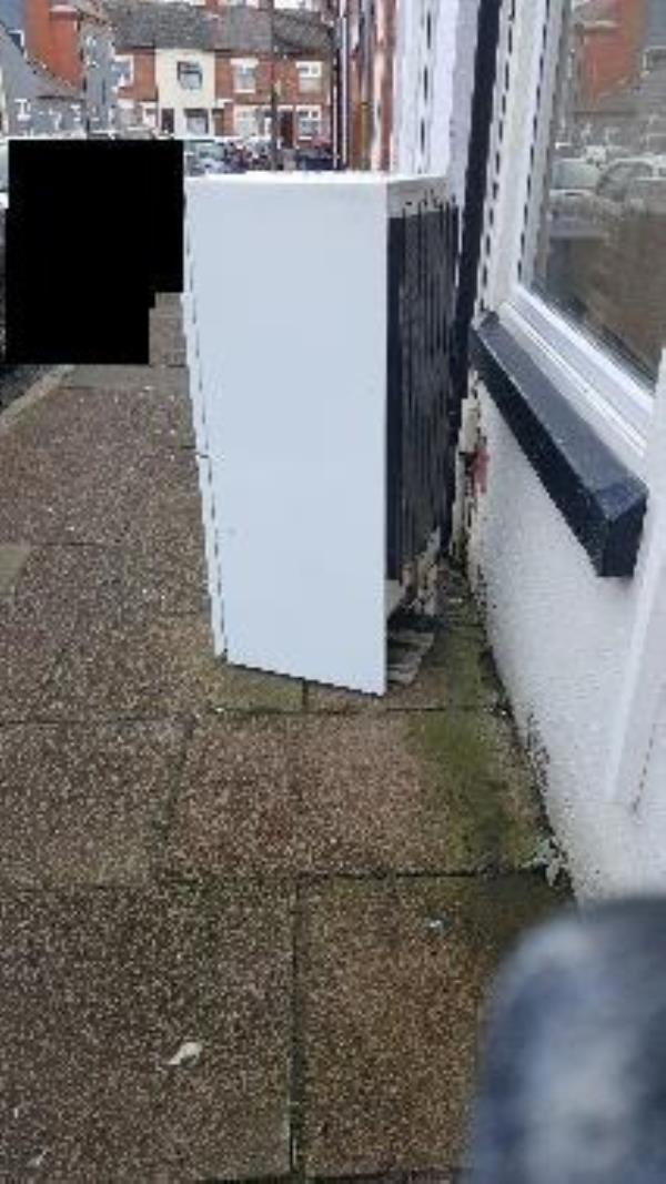 24 warwick st. illegal flytip-20 Warwick St, Leicester LE3 5HT, UK