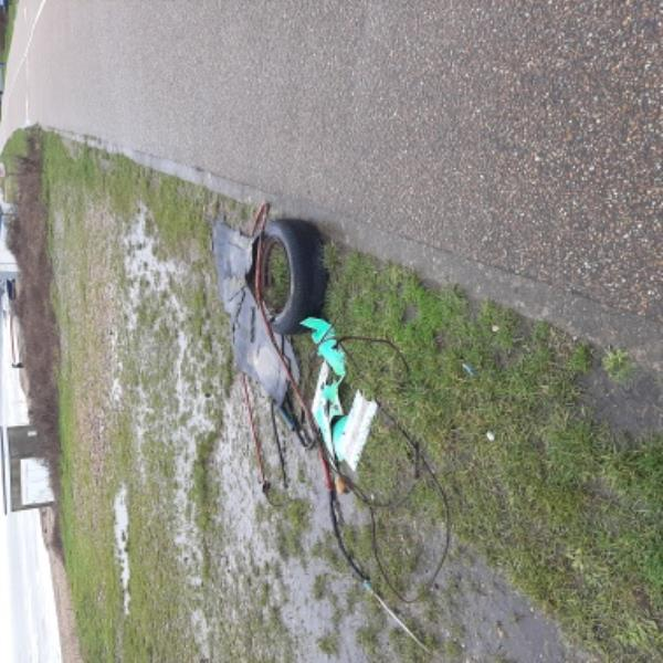 Can someone please remove tyre and rubbish from prom rear  sovereign skate park   Thank you  Gary Batchelor Senior advisor  Neighbourhood first-68 Benbow Avenue, Eastbourne, BN23 6EB