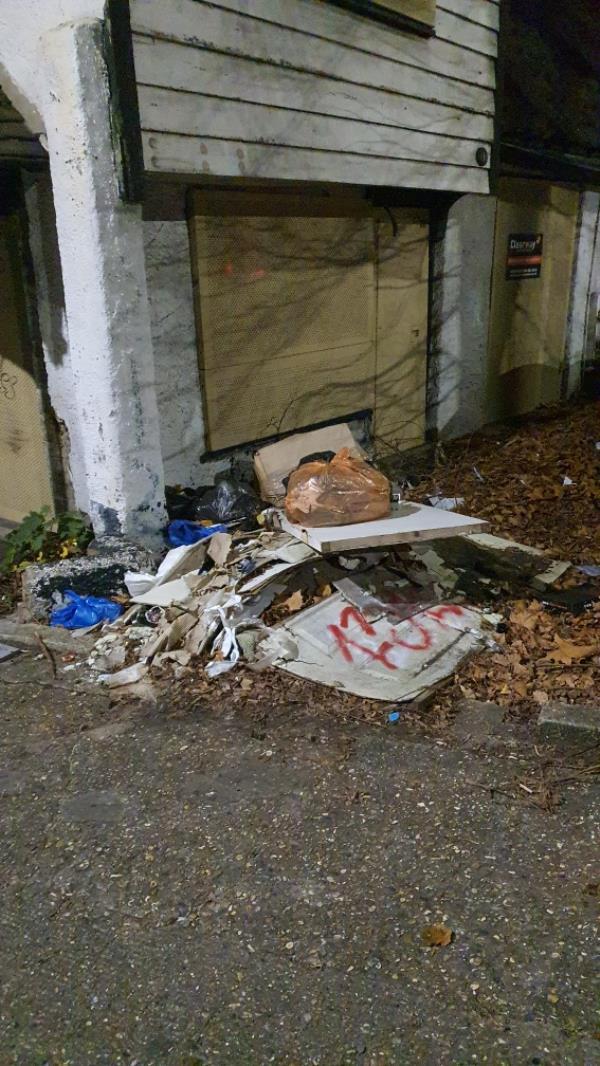 boards, bags-191 Upton Lane, London, E7 9NP
