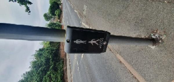 traffic light/pelican crossing not working. seems to have no power  image 2-6 Wood Lane, Wolverhampton, WV10 8HJ