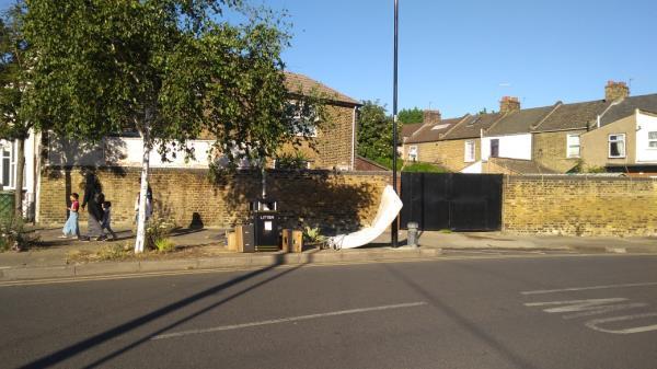 mattress-39 Tunmarsh Lane, London, E13 9ND