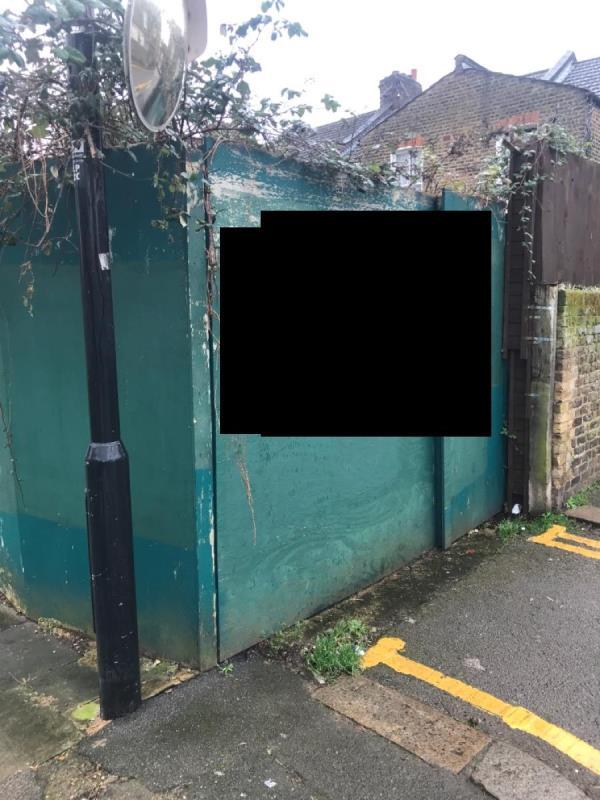Graffiti -222 Downhills Park Rd, London N17 6AP, UK