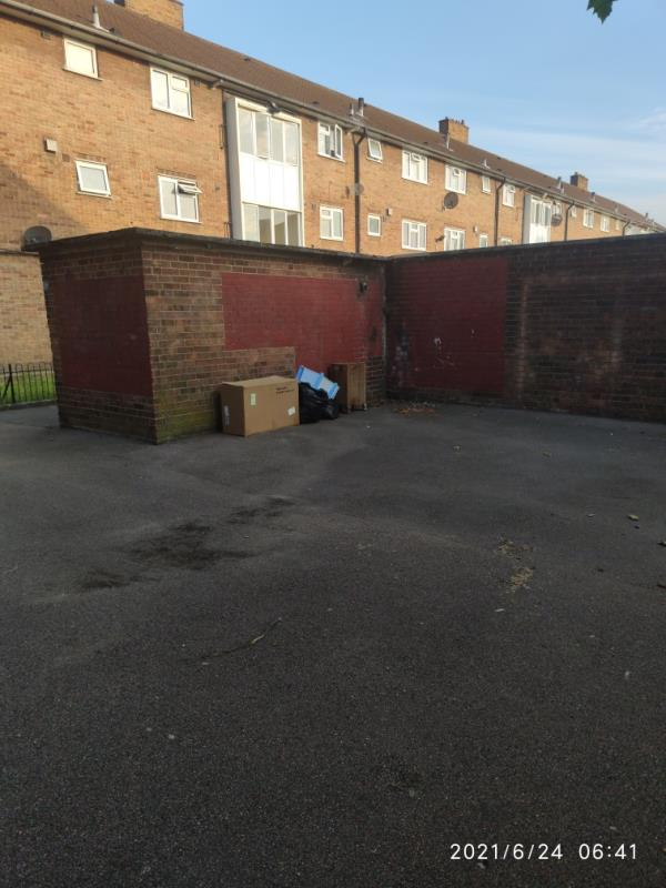 More junk-26 Hastings Road, Canning Town, E16 1PE