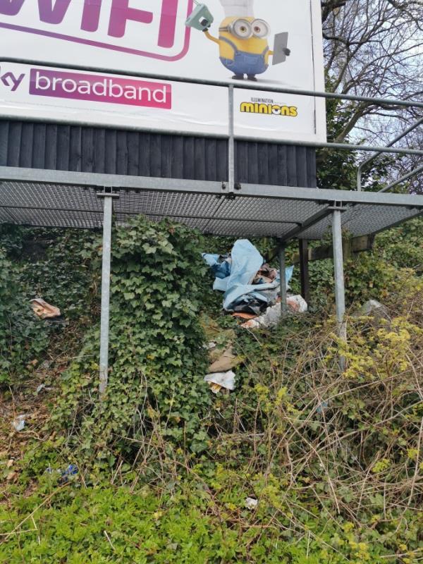 Rubbish -182 Dean's Road, Wolverhampton, WV1 2AW