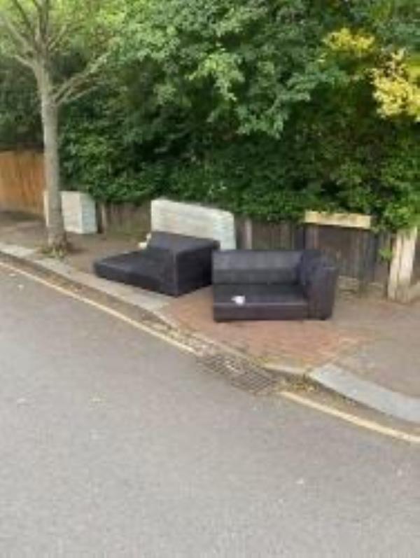 Junction of  lines grove. Please clear a sofas-133 Clarendon Rise, London, SE13 5EX