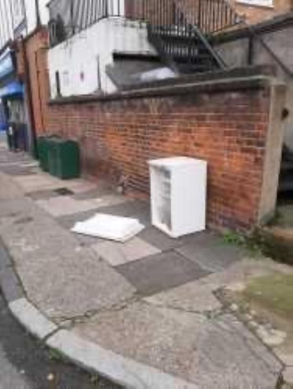 Please clear a fridge-270 Lee High Rd, Lewisham, London SE13 5PJ, UK