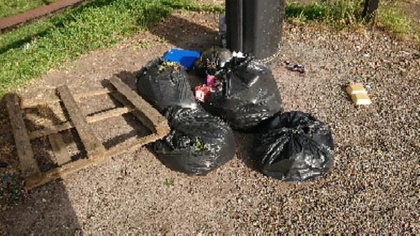 House old garden waste removedl -507 Basingstoke Road, Reading, RG2 0SH