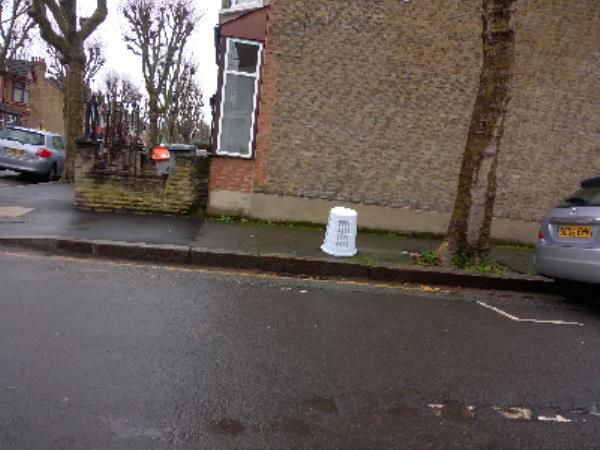 basket-131 Haldane Road, London, E6 3JN