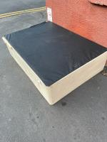 Large items left on pavement. -9 Shaftesbury Road, Leicester, LE3 0QN
