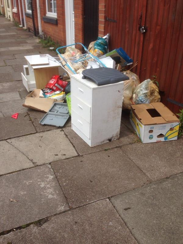 Flytip on Warren Street outside flat 1b -59 Vaughan Street, Leicester, LE3 5JN