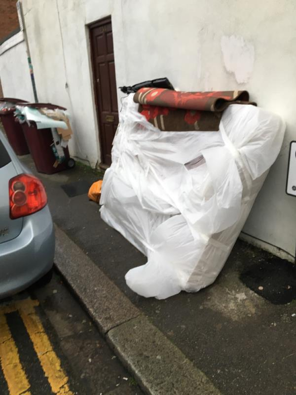 The latest dumped mattress has combined with overflowing bins to prevent pedestrians from using the pavement. They've really taken back control! -23 Cholmeley Road, Reading, RG1 3NQ