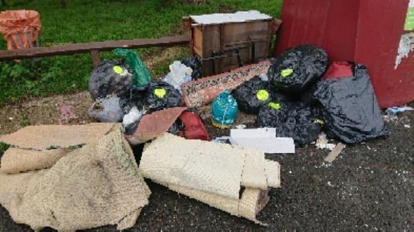 House old waste removed fly tipping on going at this site large amount removed-1 Dunsfold Road, Reading, RG30 4NP