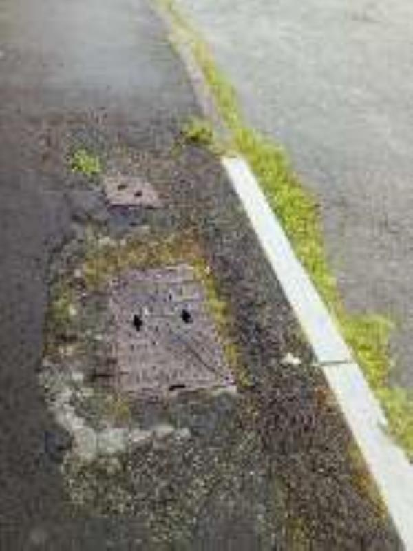 paths collapsed-142-144 Middlewich Rd, Winsford CW7 3NP, UK