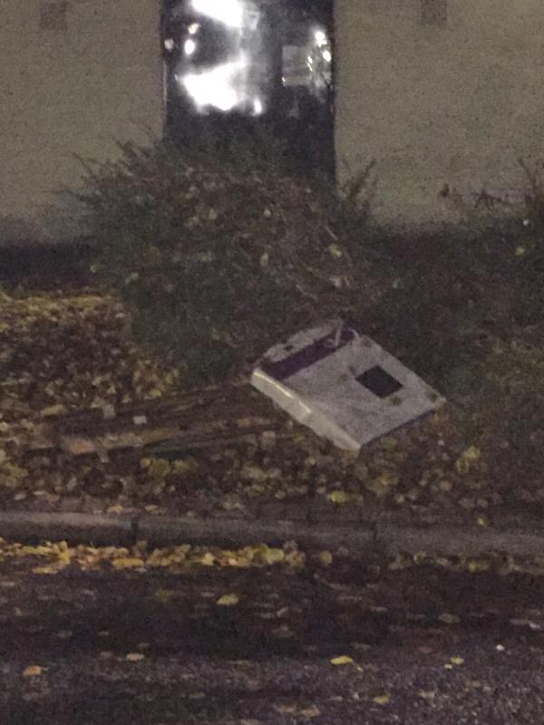 Wooden slats and radiator - reported previously, not yet removed-Arch 20f Cranberry Lane, Canning Town, E16 4NN