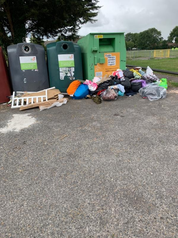 Fly tipping -85 Church End Lane, Reading, RG30 4PL