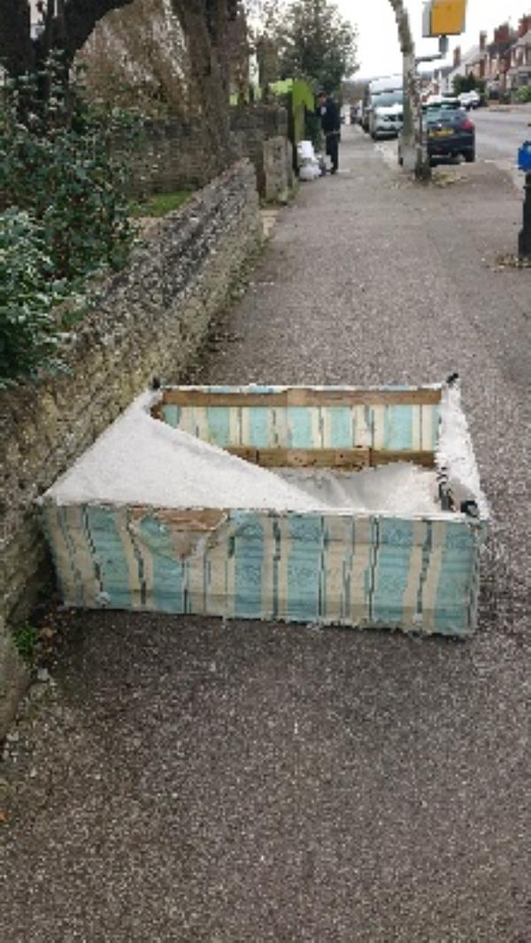 Bed removed from pathway-35 Buckland Road, Reading, RG2 7ST