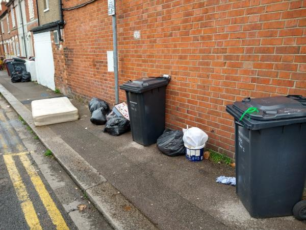 rubbish dumped at top of regent Street-253 London Road, Reading, RG1 3NY