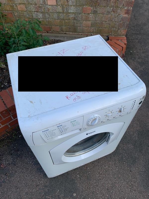 Dumped washer. See attached notice on washer. -137 Kate Street, Leicester, LE3 5QG