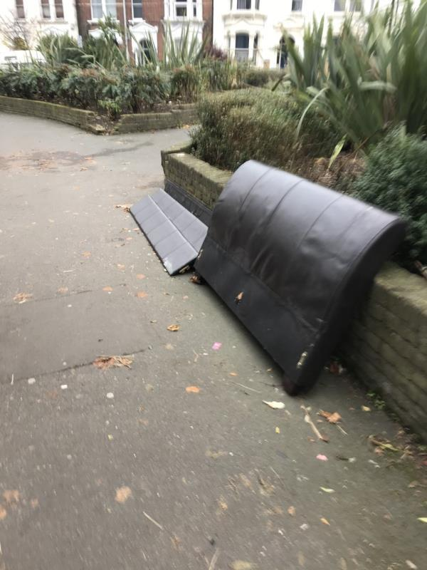 bed frame on pavement -121 upper tollington park road