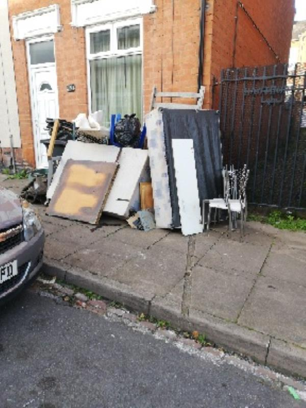 41 Hawthorne Street Old tenants was there yesterday and said the council were collecting today. Lorry turn up around 07:10 this mornimg, looked and drove off. This rubbish is a health and safety hazard, it's taking up a lot of the pavement. -37 Hawthorne St, Leicester LE3 9FR, UK