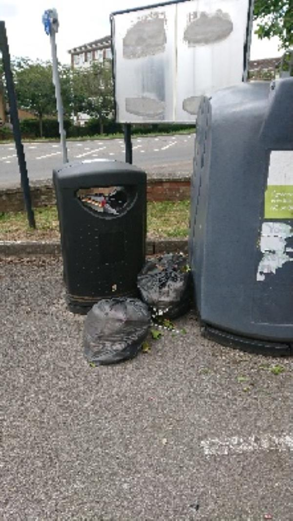 House old waste removedl fly tipping -152 Bath Road, Reading, RG30 2HA