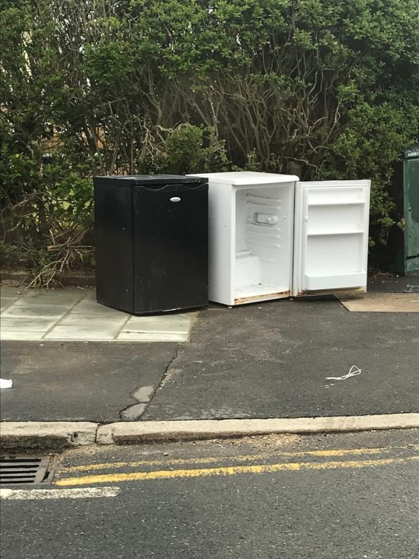 Fridges Galahad Road j/w Launcelot Road -25 Launcelot Road, Bromley, BR1 5DR