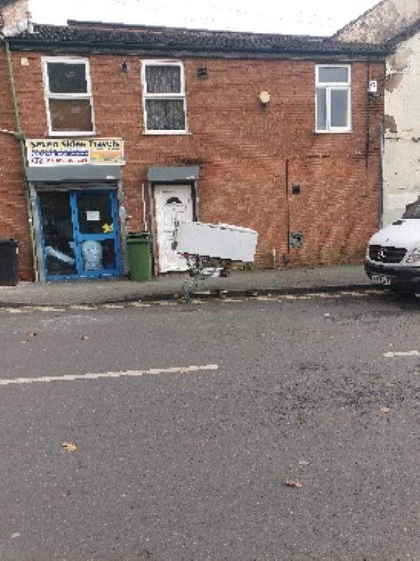 some left this in the road -335 Cannock Road, Wolverhampton, WV10 9AS