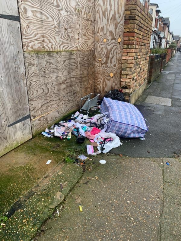 Rubbish-31 Ismailia Road, London, E7 9PH