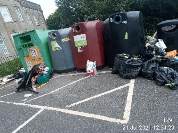 Please clear bottle banks at. Coley comm centre -2a Lesford Road, Reading, RG1 6DW