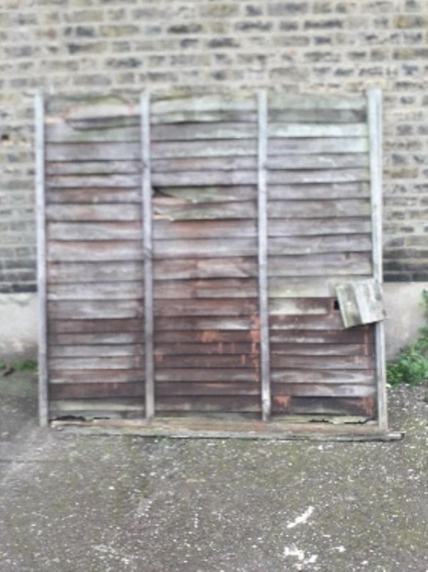 3x fence panels -10 Ingal Road, London, E13 8HX