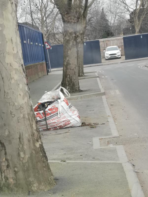 No evidence green waste-Standard Industrial Estate Factory Road, North Woolwich, E16 2EJ