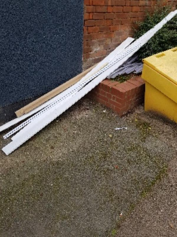 FURTHER ILLEGAL FLY TIPPING. KATE ST YET AGAIN. NXT TO GRIT BIN.-133 Kate Street, Leicester, LE3 5RL