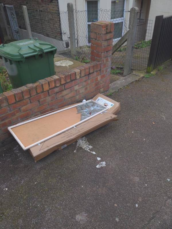 I previously reported this reference. 2227385.  You said that it is completed but it is not. Please can you come back and make sure it is collected correctly. Thank you!-26e Mount Pleasant Road, London, SE13 6RB