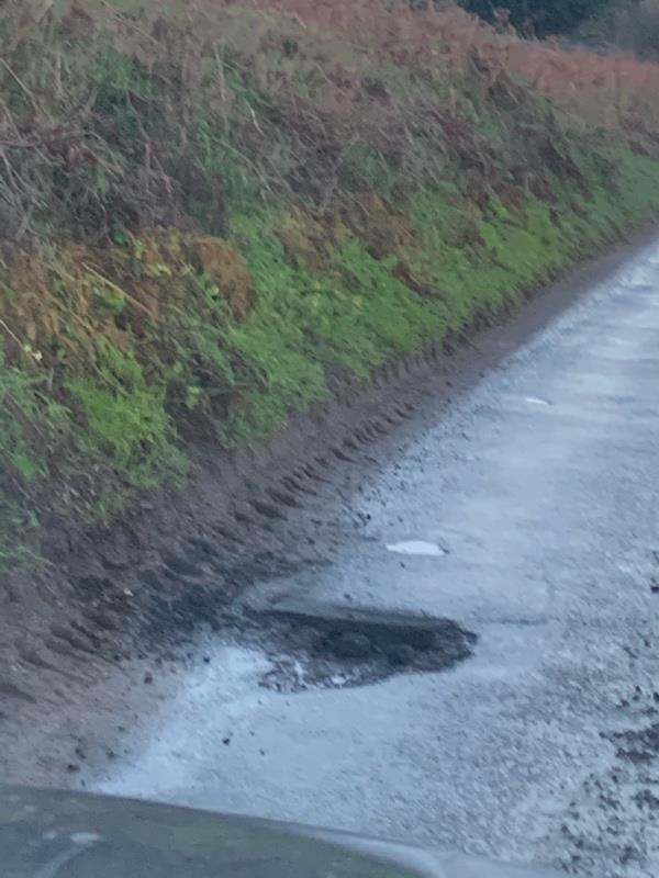 Pothole-Unnamed Road, Petworth GU28, UK