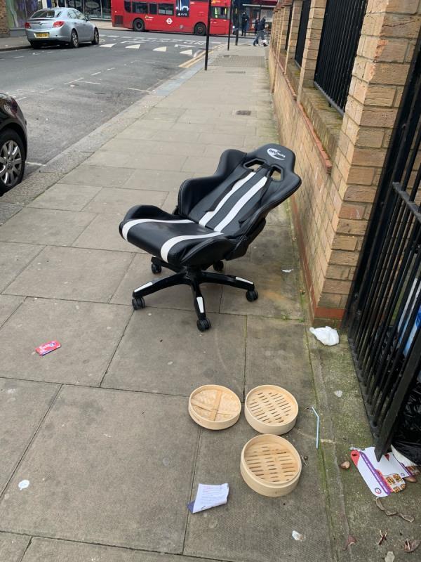 As seen in pictures -Petal Court 1a Saint Martin's Avenue, East Ham, E6 3DU
