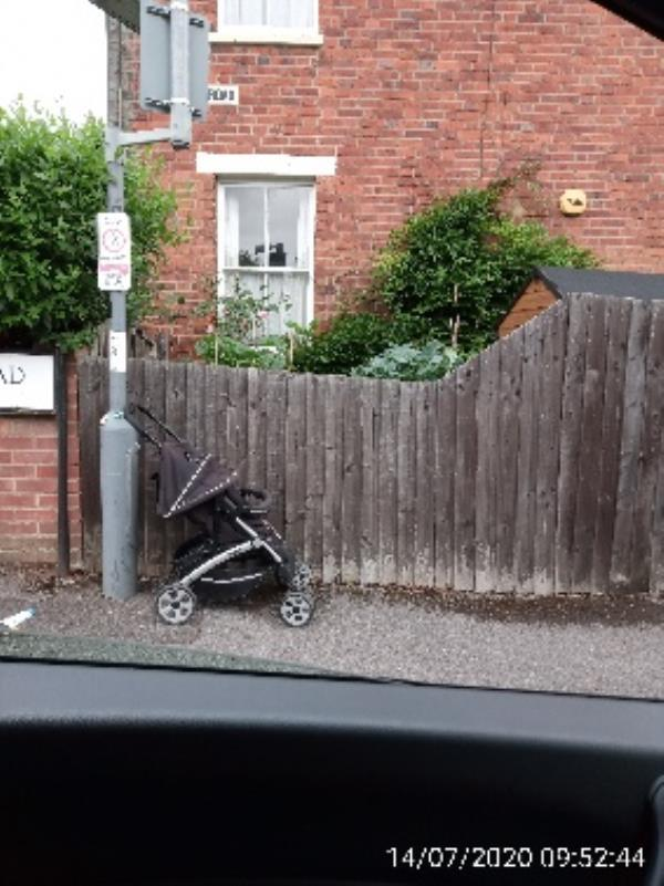 Buggy at top of Beecham Road under street sign-148 Waverley Road, Reading, RG30 2PY