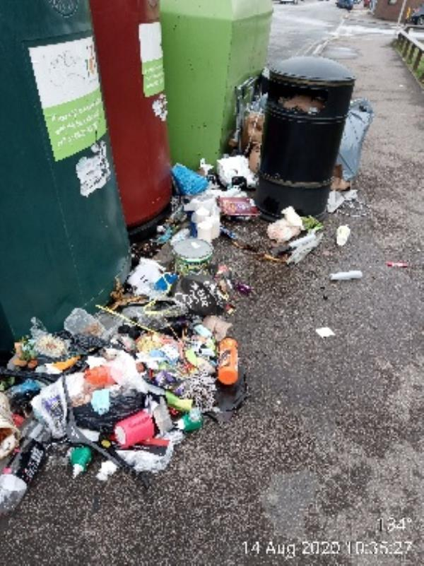 Please can this be cleared, I've rebagged as much as possible -Vincent House Great Knollys Street, Reading, RG1 7DA