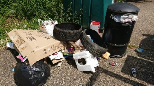 House old waste removedl fly tipping large amount -1 Gratwicke Road, Reading, RG30 4UA