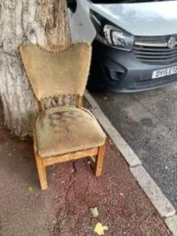 Please clear a chair-1a Billington Road, New Cross Gate, SE14 5QH