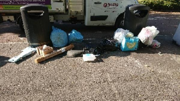 house old waste removed fly tipping and green.waste-180 Luscinia View Napier Road, Reading, RG1 8DF