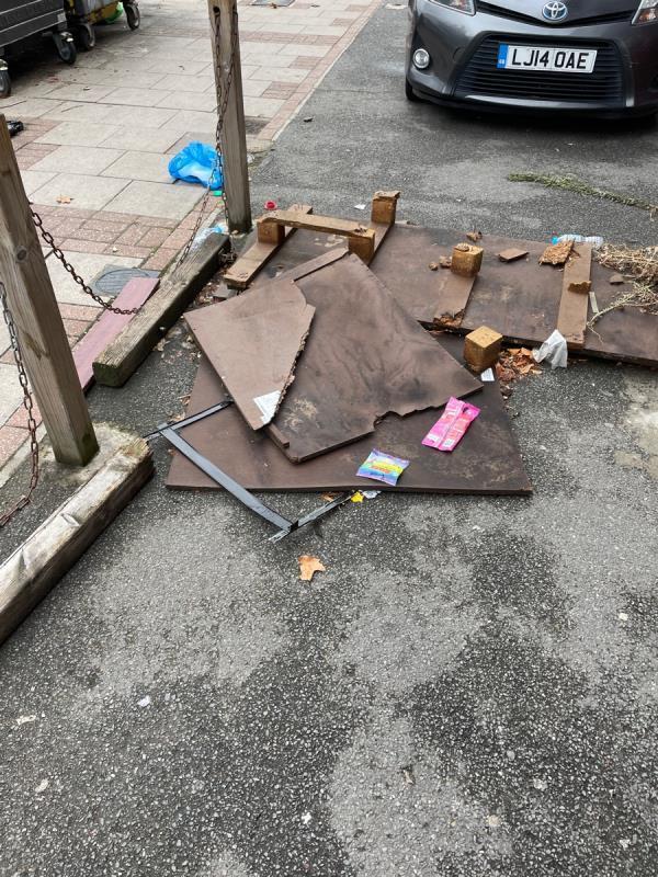 Rubbish  image 1-653a Romford Road, Manor Park, E12 5AD