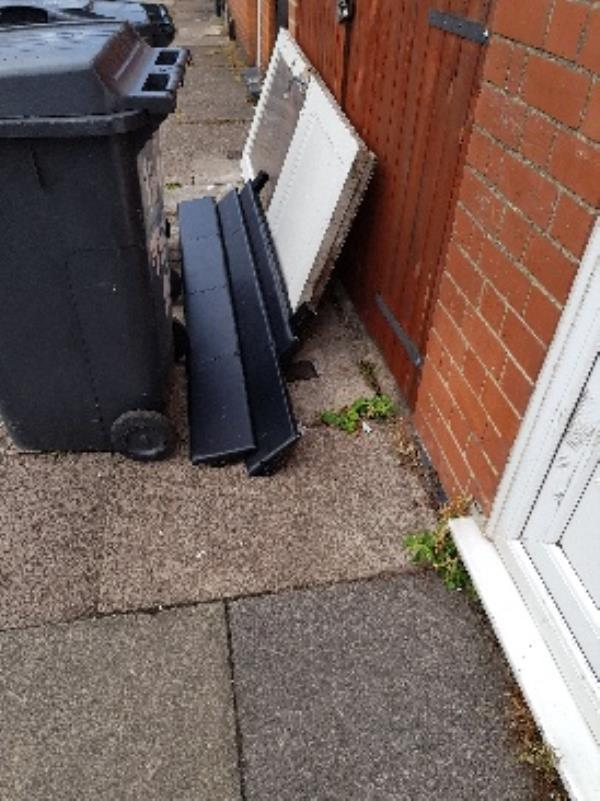 1b warren st. illegal flytip-2 Warren Street, Leicester, LE3 5JR