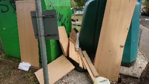 house old waste removedl furniture clothing bank needs to be emptied causeing obstruction  image 1-125 Cranbury Road, Reading, RG30 2TD
