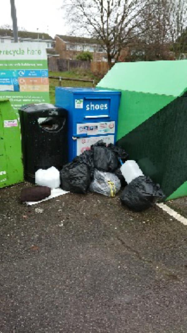 Fly tipping -28 Northbrook Road, Reading, RG4 6PF