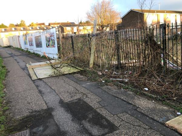 Broken fence in the middle of the path-23 Eddleston Way, Reading RG30 4YJ, UK