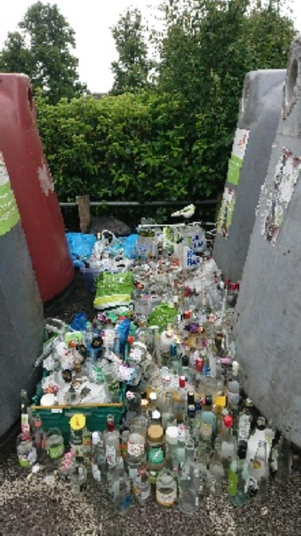 House old waste removedl fly tipping excess bottle s large amount removedl -4 Palmer Park Avenue, Reading, RG6 1LF