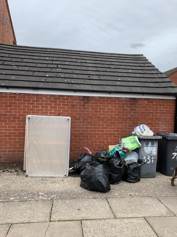 Flytipped mattress and litter at Avon Place -4 Avon Place, Reading, RG1 3LA