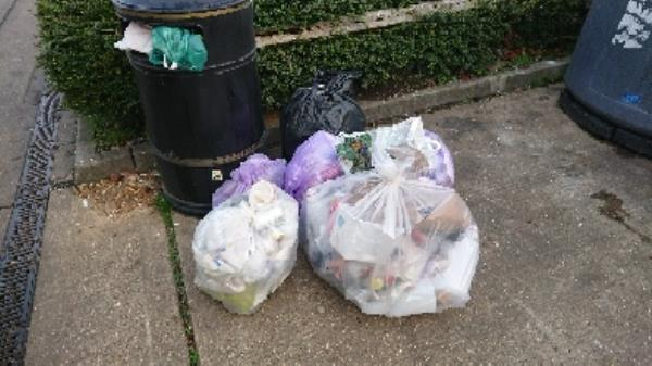 House old waste removedl fly tipping -213 Basingstoke Road, Reading, RG2 0HX